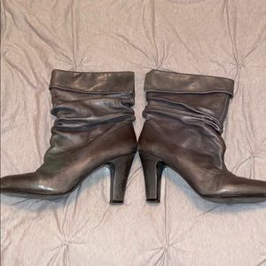 Grey slouchy booties